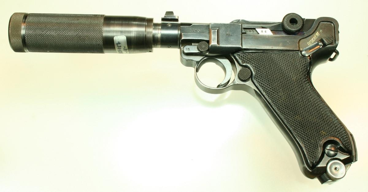 Luger P08 schallgedämpft