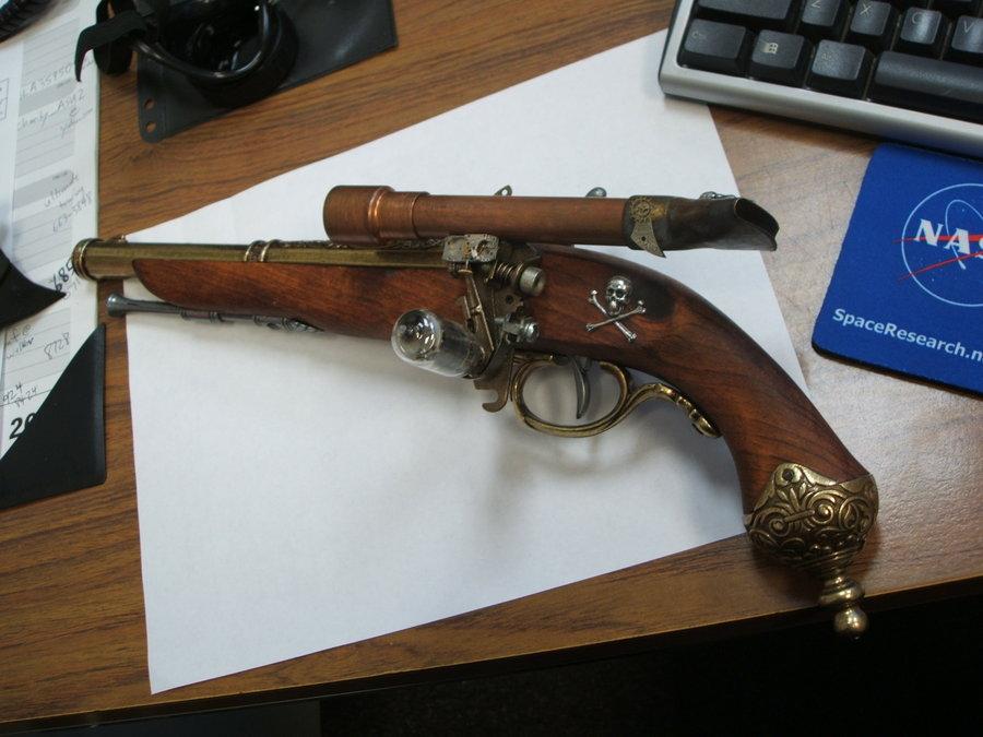 steampunk_flintlock_pistol_by_frijoleluna