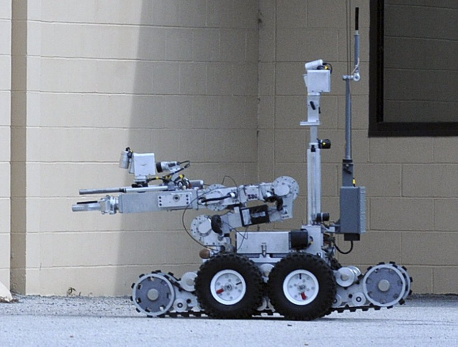remotec dallas PD bomb disposal robot